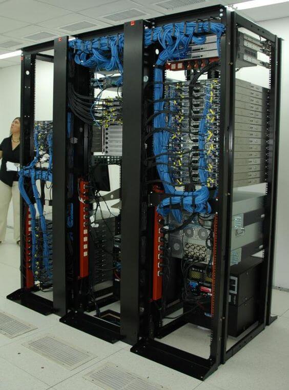 thiết kế hạ tầng Data Center