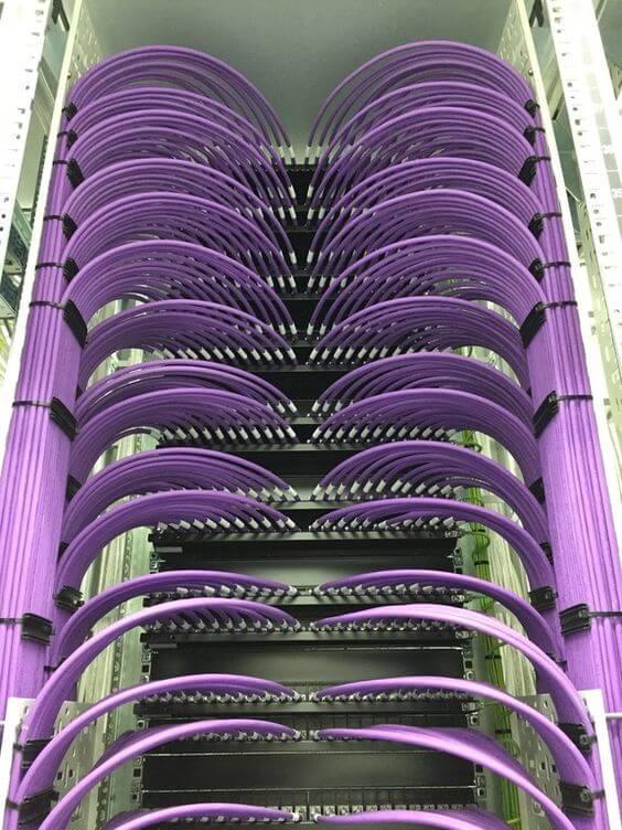 thiết kế các thiết bị trong tủ rack cho data center