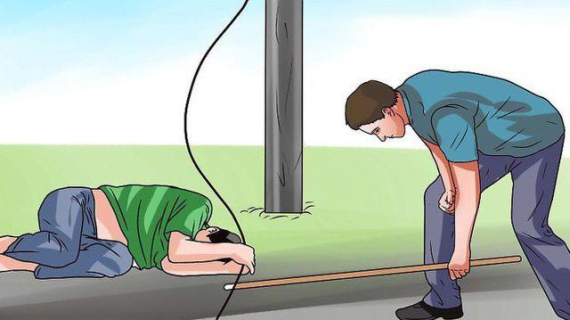 Cách xử lý khi bị điện giật 1